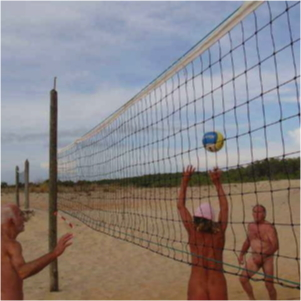Beach-Volleyball am Strand im EURONAT